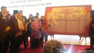 Di Depan Megawati, Perawat Honorer Curhat Soal Pengangkatan ASN