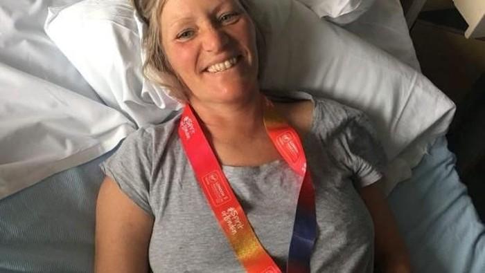 Joanna, pelari London Marathon yang koma karena kebanyakan minum. Ia alami kondisi hiponatremia. Foto: Metro UK