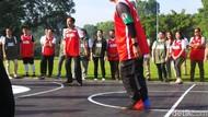 Olahraga Jokowi: Basket, Panah, Tinju, hingga Badminton
