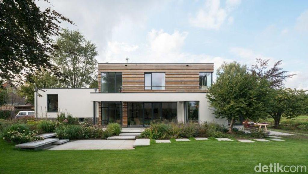 Rumah Tua Ini Disulap Jadi Sumber Energi Ramah Lingkungan