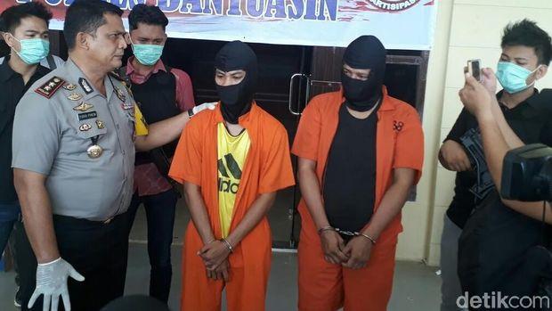 Kedua pelaku dibekuk di Jalan Lintas Sumatera Palembang-Jambi