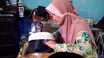 Melihat Kerajinan Peci di Kudus yang Mulai Diburu Jelang Ramadan