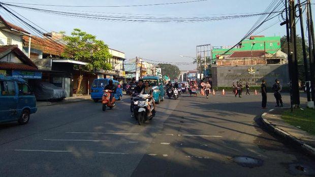 Kawat Berduri di Depan Mako Brimob Dilepas, Polisi Masih Berjaga