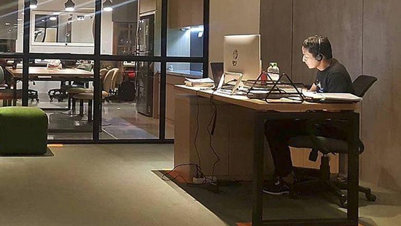 Sandiaga Pamer Ruang Kerja Transparannya di Balai Kota