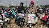 Keseruan Pencinta Vespa di Jakarta Mods May Day