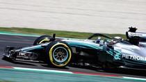 Ferrari Kurang Oke, Hamilton Curiga