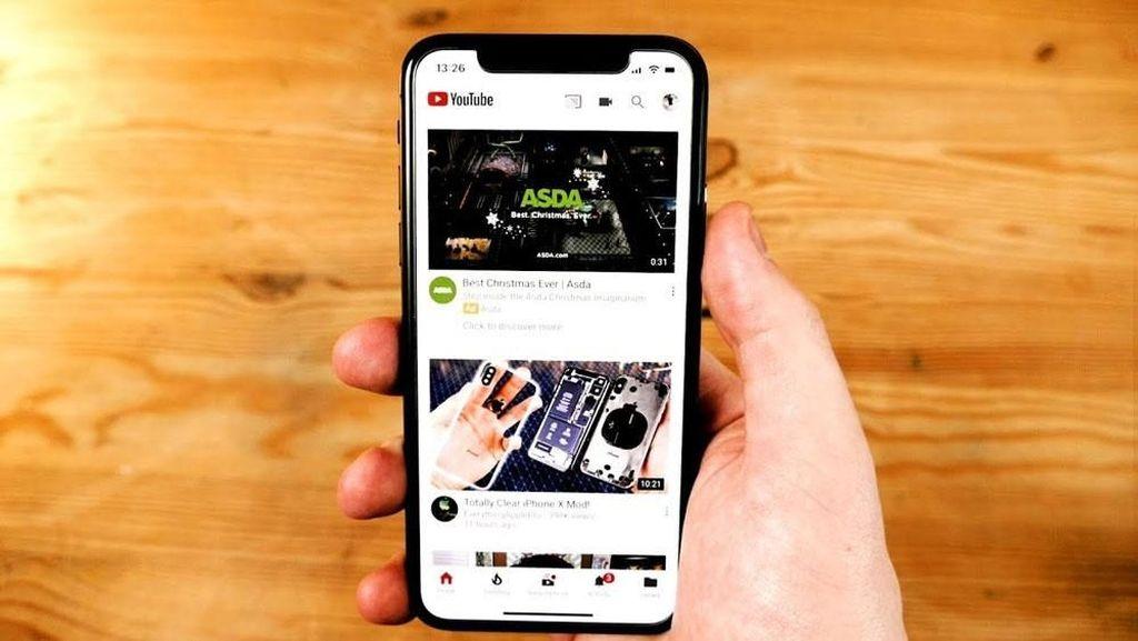 Hal pertama yang harus dilakukan untuk bisa menghasilkan uang dari YouTube adalah menggaet penonton. Caranya dengan membuat video yang disukai orang secara konsisten. Foto: webchaat