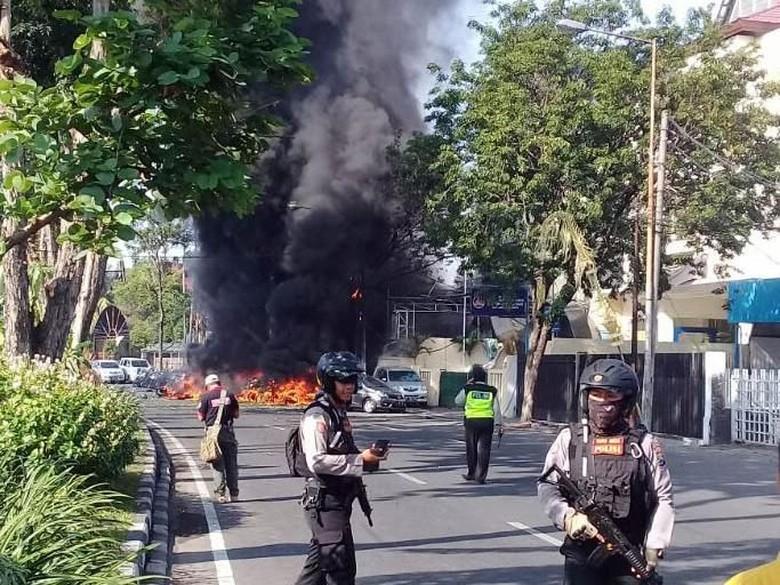 Polisi: Tiga Keluarga di Balik Teror Bom di Surabaya-Sidoarjo