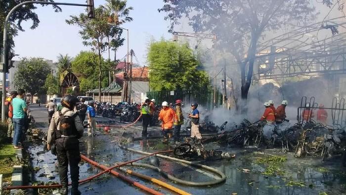 Ledakan bom di Gereja Surabaya (foto: Istimewa)
