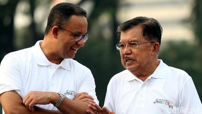 Wapres Jusuf Kalla melepas ribuan peserta parade 100 hari menuju Asian Games 2018, di kawasan Silang Monas, Jakarta.
