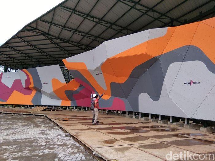 Begini penampakan terkini proyek renovasi venue panjat tebing di Jakabaring Sports City Palembang. Dok. Federasi Panjat Tebing Indonesia.