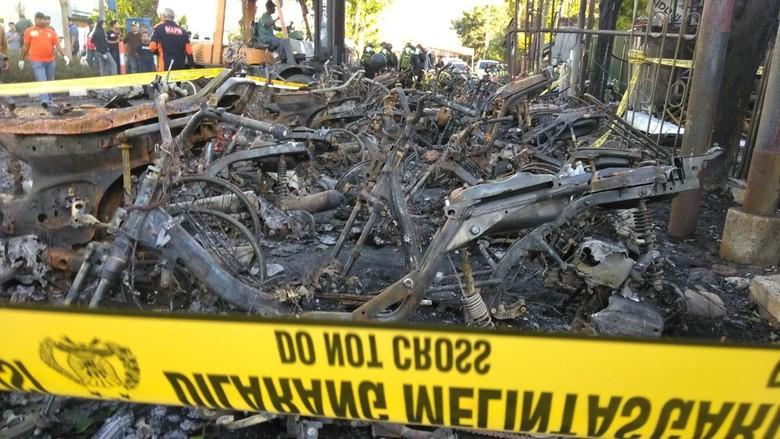 Rentetan Teror dari Surabaya Sampai Riau
