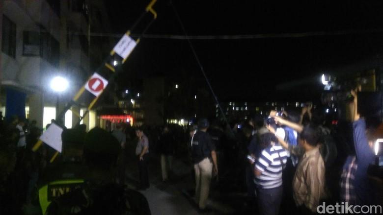 Jihandak Masuk ke Rusun Sidoarjo, Terdengar Lima Ledakan
