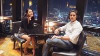 Keduanya juga sempat mengabadikan momen ketika makan malam romantis di sebuah tempat. Foto: Instagram alyssadaguise