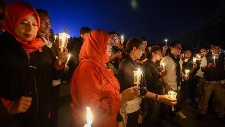 Potret Aksi Solidaritas untuk Korban Bom Gereja Surabaya