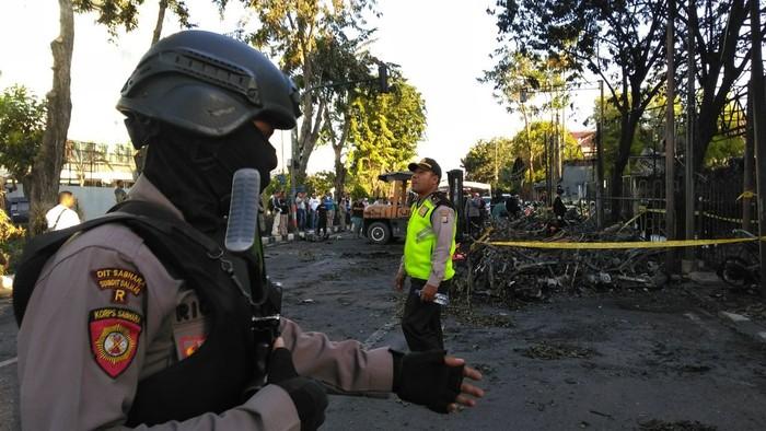 Situasi pasca terjadi ledakan bom Surabaya. Foto: Deni/detikcom
