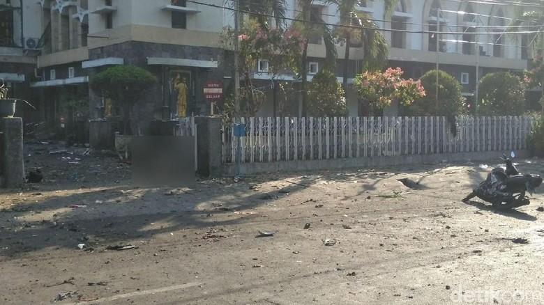 Kesaksian Wanita yang Terlempar 15 M Akibat Bom Gereja Santa Maria