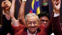 PM Mahathir Tiba-tiba Mundur di Tengah Pergolakan Politik yang Mengejutkan