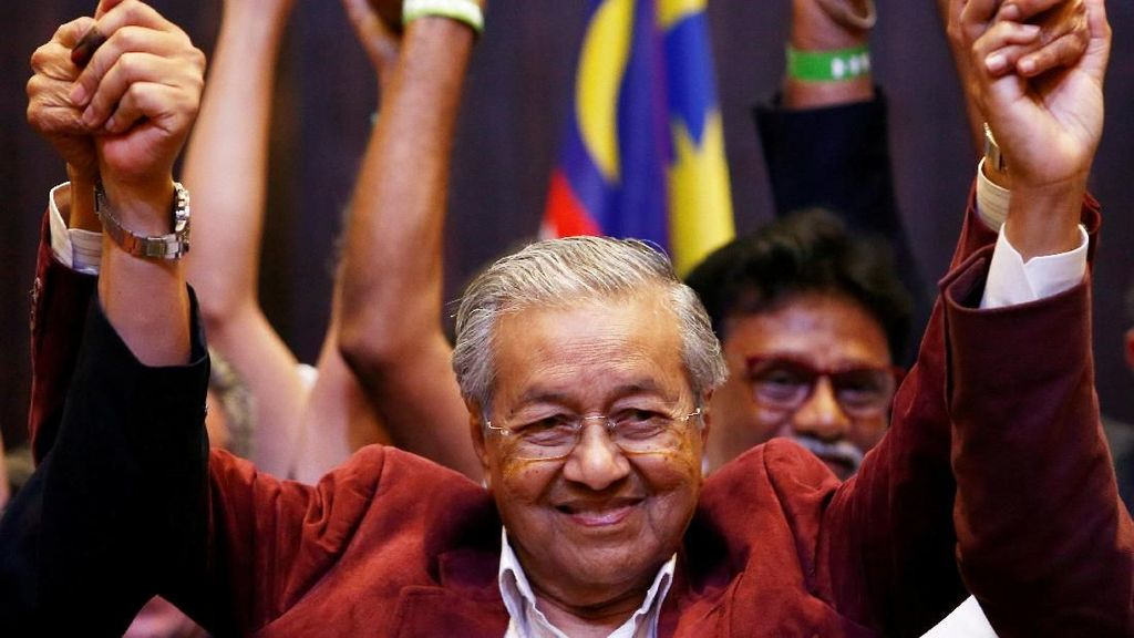 Mahathir, Kingmaker, Kingslayer, dan The King