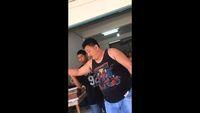 Protes Kualitas Durian, Pria Ini Nangis Ditampar Durian oleh Penjual