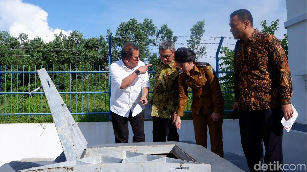 Menkominfo Todong Wali Kota Singkawang, Minta Apa?