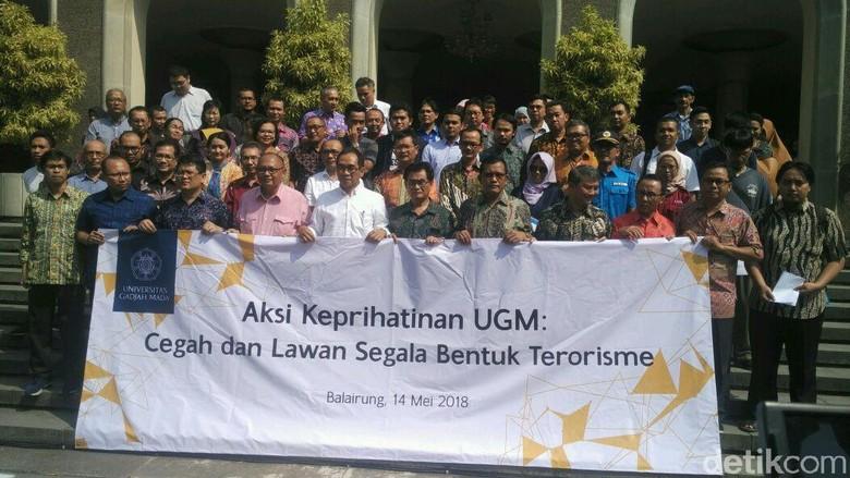 Kecam Bom Surabaya, UGM Siap Bantu Tenaga Ahli Tangani Korban