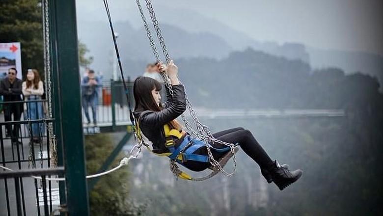 Ayunan ekstrem di China (Wansheng Ordovician Theme Park)