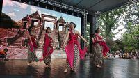 Tarian Indonesia dibawakan mahasiswi Bulgaria (dok KBRI Sofia)