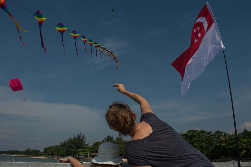 Peserta dari Indonesia, Malaysia, Singapura, Belgia, Jerman, dan Belanda meramaikan Rhino Kites Festival yang jadi bagian dari Rhino Cross Triathlon atau Rhino X-Tri. (Bahtiar Rivai/detikTravel)