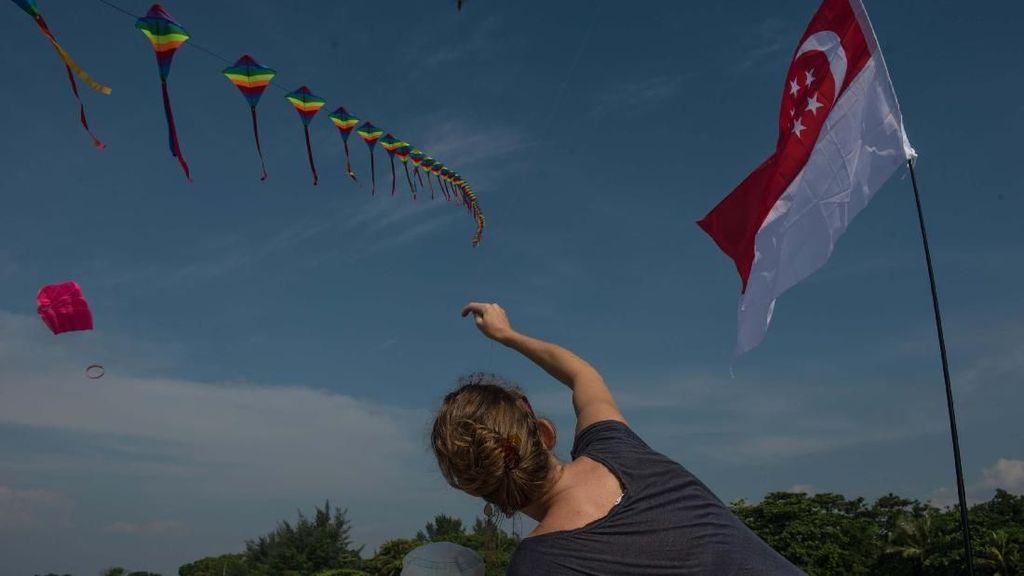 Foto: Refreshing Nonton Festival Layangan di Tanjung Lesung