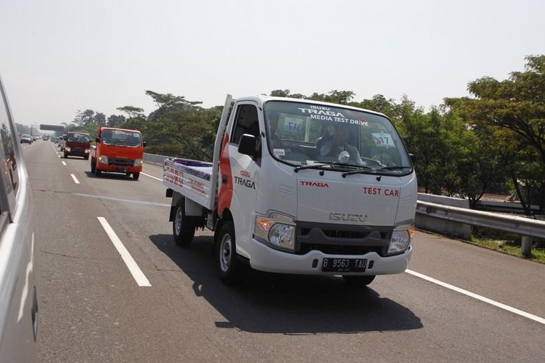 Isuzu Traga saat diuji Jakarta-Bandung. Foto: dok Isuzu