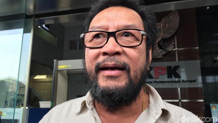 Politikus Golkar Yorrys Raweyai mengaku diklarifikasi KPK soal pemberian uang Rp 1 miliar dari Fayakhun Andriadi, Anggota DPR yang terjerat kasus korupsi Bakamla.