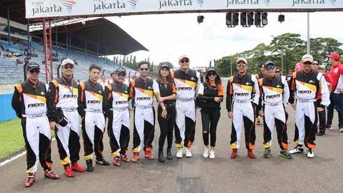 ABM Racing Team berpose di sirkuit sentul (dok.ABM Motorsport)