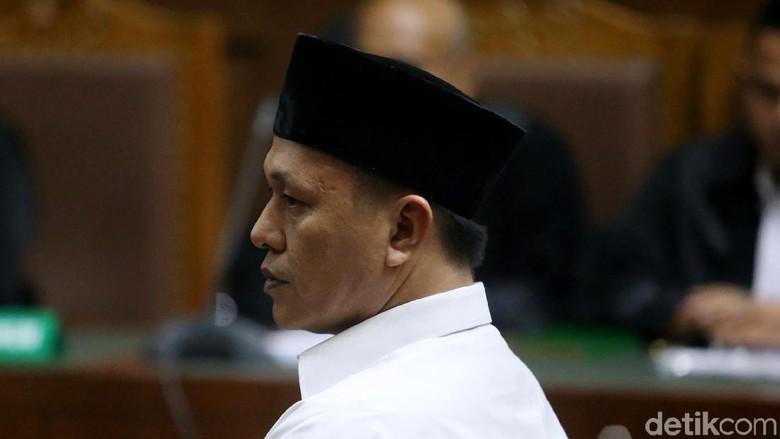 Hak Politik Bupati Lampung Tengah Nonaktif Dicabut 2 Tahun