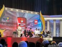 Insiden '2019 Ganti Presiden' di Panggung Debat Cagub Jabar