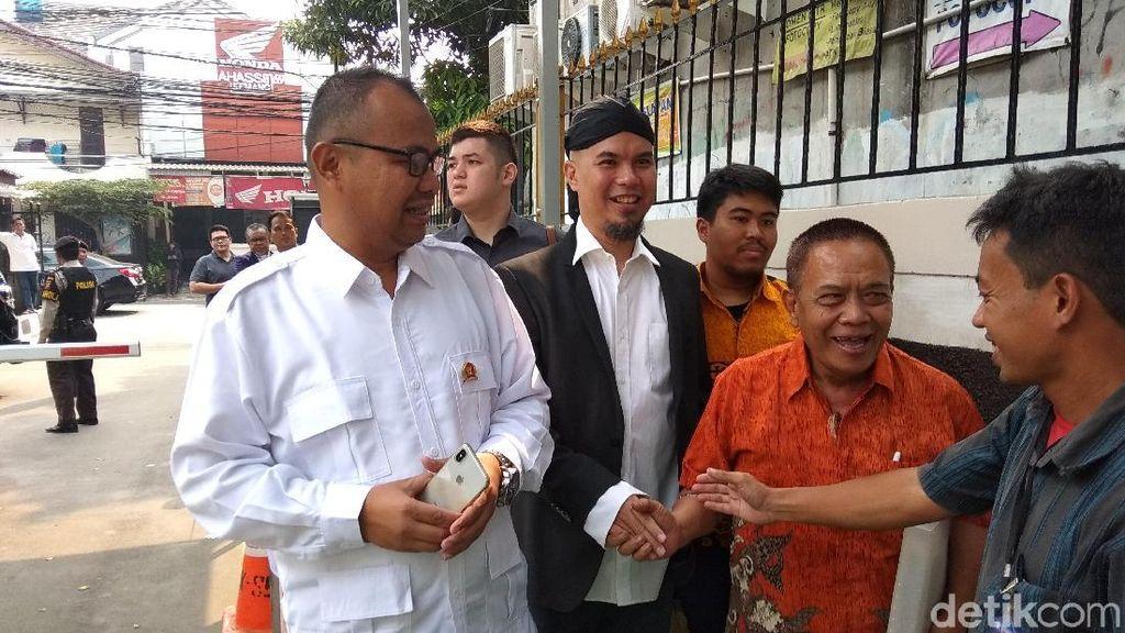 Ahmad Dhani Santai Hadapi Sidang Putusan Sela