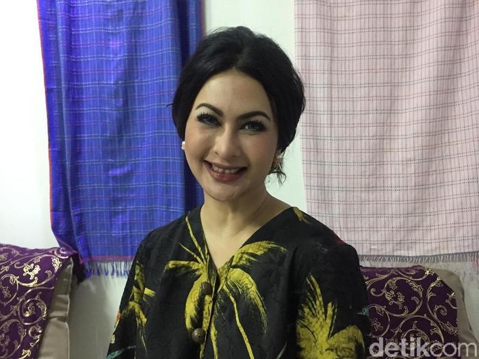 Diana Pungky sibuk merintis bisnis klinik kecantikan. (Foto: Daniel Ngantung/Wolipop)