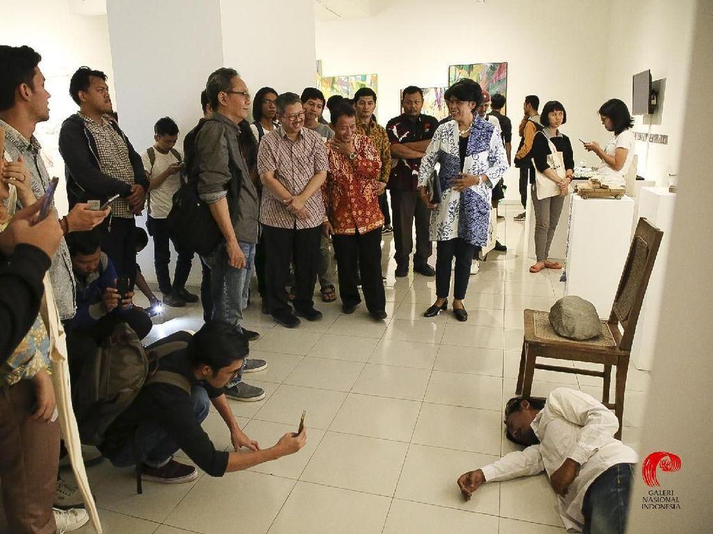 Banyak Tangan Jahil di Pameran Seni, Bagaimana Galeri Nasional Indonesia?