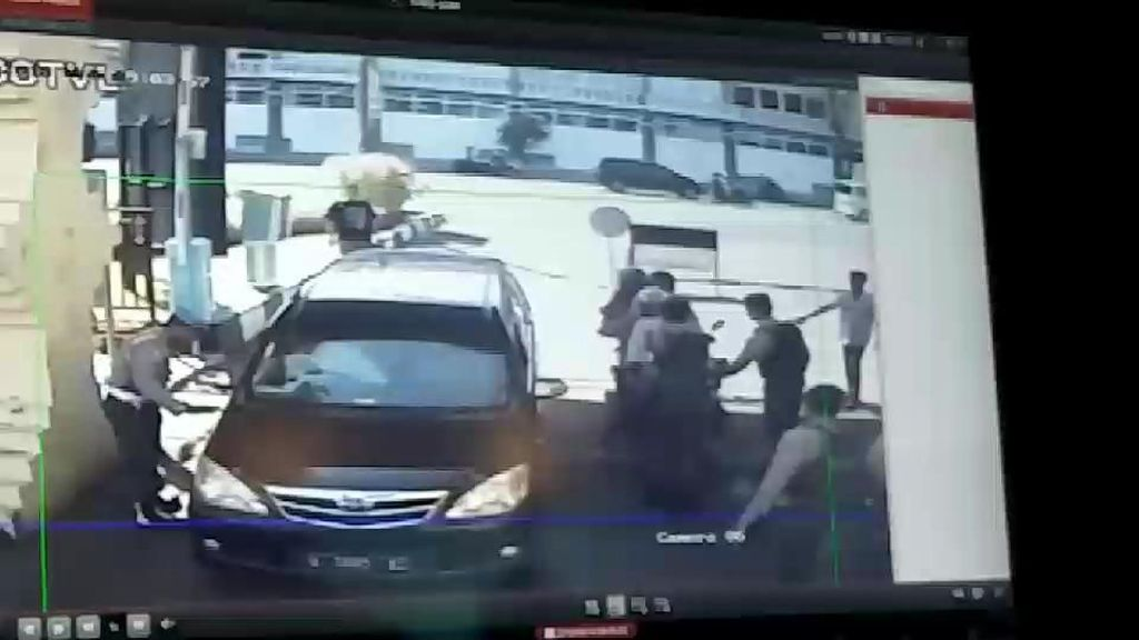 Mobil Avanza Jadi Saksi Bisu Bom di Polrestabes Surabaya