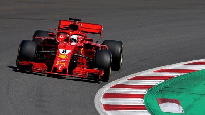 Sebastian Vettel cuma finis keempat di GP Spanyol (Foto: Charles Coates/Getty Images)