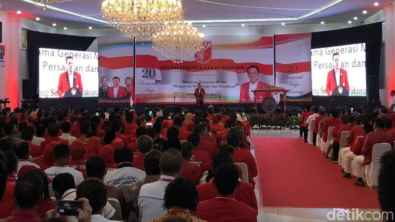 Jokowi Hadiri KLB PKPI Penetapan Anak Hendropriyono Jadi Ketum