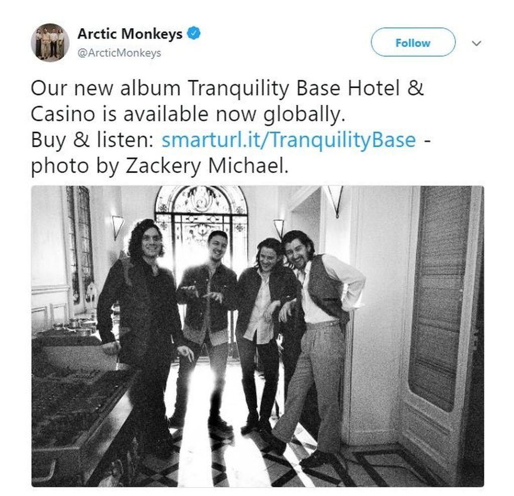 Arctic Monkeys merilis album terbaru berjudul Tranquility Base Hotel & Casino, sekaligus menjadi yang pertama sejak lima tahun terakhir. Foto: istimewa
