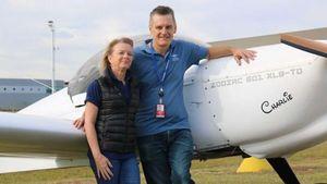 Rakit Pesawat di Garasi untuk Keliling Australia