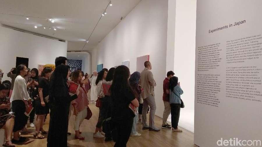 Ribuan Pengunjung Padati Pameran Yayoi Kusama di Jakarta