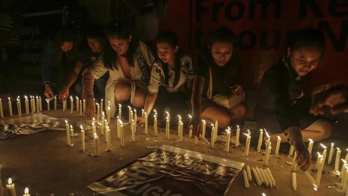 Aksi keprihatinan bom Surabaya (Foto: Antara Foto)