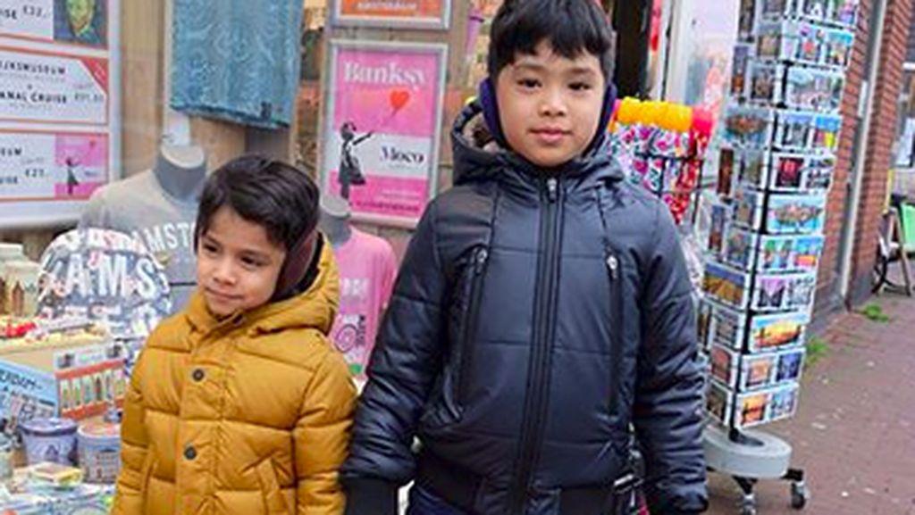 Karan dan Neel, Kakak-Adik Jagoan Ciliknya Bunga Zainal