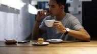 10 Gaya Santai Fandy Christian Saat Makan Bareng Keluarga
