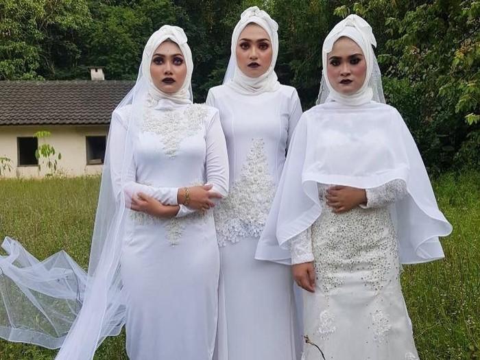 Produk hijab yang aneh dan viral sepanjang 2018. Foto: Instagram/Azzim_aziz