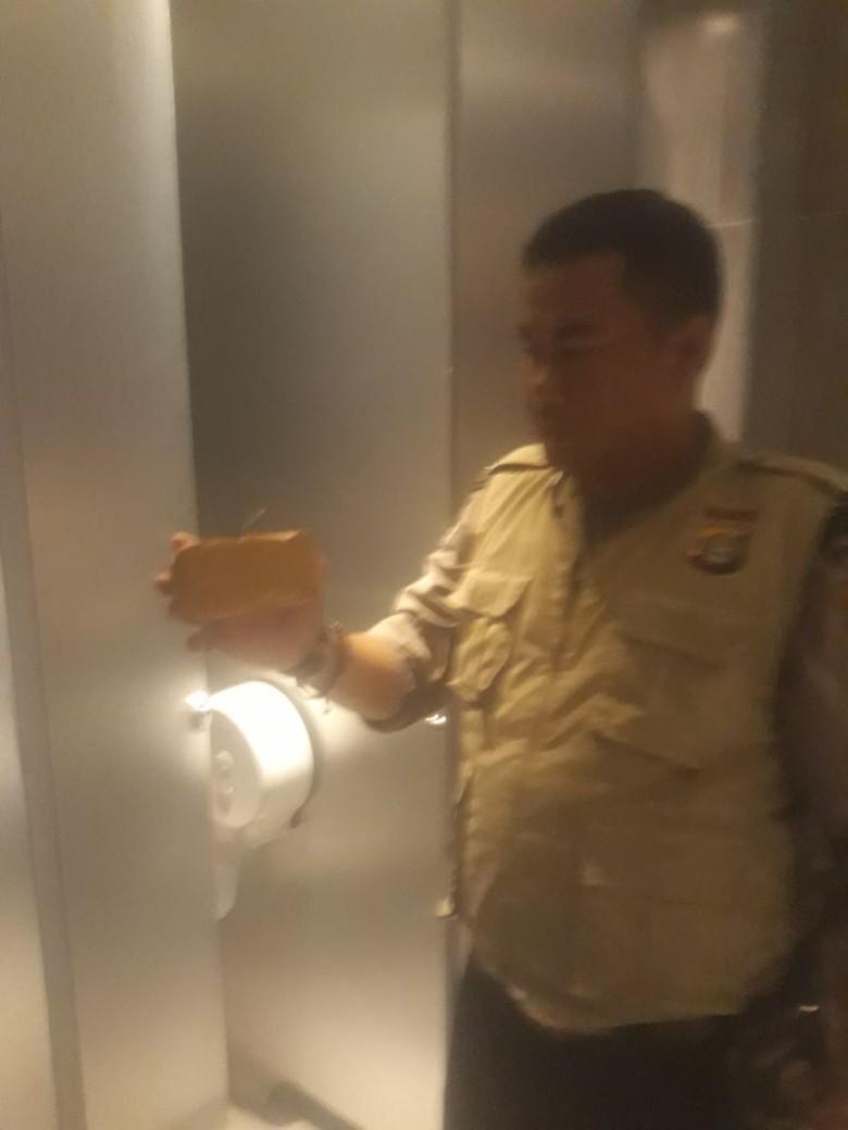 Polisi Pastikan Bungkusan di Toilet Bioskop Transmart Lampung Bukan Bom