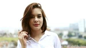Alexandra Asmasoebrata Si Pebalap Cantik